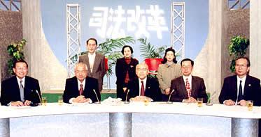 2001.12.2 司法改革をテーマとした番組(KBS京都テレビ)に川中宏弁護士が出演