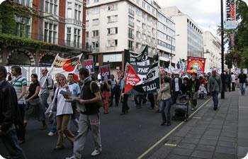 イギリスのイラク戦争反対のデモ