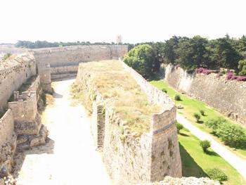 宮殿の城壁