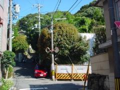 マンション建築前の緑豊かな船岡山